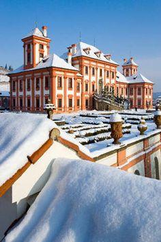 Troja,Troja,bedecken - trojsky zamek pod snehem