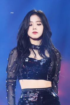 Who is Jisoo from Blackpink? Korean singer Jisoo is one of the lead singers in K-Pop band, Blackpink. Blackpink Jisoo, Kpop Girl Groups, Korean Girl Groups, Kpop Girls, Divas, Forever Young, Black Pink ジス, Blackpink Members, Blackpink Photos