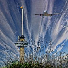 Vliegtuig boven Rotterdam