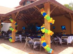 Pilares con globos Balloon Designs, Balloon Ideas, Mickey Mouse, Diy Birthday Decorations, Paw Patrol Birthday, Outdoor Parties, Dad Birthday, House Party, Diy Party