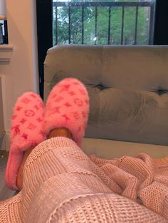 ♡on some hot shit♡ — pink lv slippers Louis Vuitton Slippers, Zapatos Louis Vuitton, Louis Vuitton Shoes, Sneakers Fashion, Fashion Shoes, Shoes Sneakers, Shoes Heels, Crocs Shoes, Fashion Bags