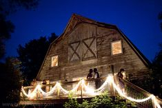 Michigan has so many beautiful venues for weddings...and my favorite wedding site is old barns