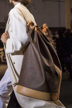 Best Handbags, Fashion Handbags, Structured Handbags, Best Tote Bags, Prada Spring, Donatella Versace, Leather Accessories, Jil Sander, Bag Sale