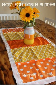 Super easy and fun fall table runner #pickyourplum #bakerstwine @keepingitsimple