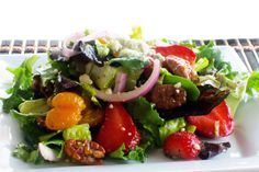 Tired of the same old boring salads? That's about to change! This summer salad with strawberries and candied pecans is a truly exciting flavor combination! Summer Salad Recipes, Easy Salad Recipes, Summer Salads, Healthy Recipes, Healthy Foods, Ranch Potato Salad, Bacon Ranch Potatoes, Salad Dishes, Egg Salad