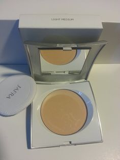 Jafra, Pressed Powder - Light Medium ** Details can be found by clicking on the image.