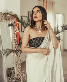 Trendy Ideas For Skirt Tulle Outfit Black Beautiful Blouse Back Neck Designs, Saree Blouse Designs, Dress Indian Style, Indian Dresses, Indian Outfits, Latest Wedding Dresses Indian, Trendy Dresses, Short Dresses, Fashion Dresses