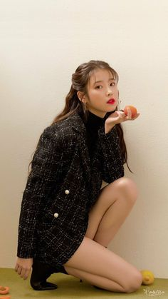 Iu Short Hair, Iu Hair, Cute Girls, Cool Girl, My Girl, Beautiful Asian Girls, Most Beautiful, Queen Pictures, Japan Girl