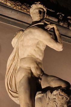 1534.Michelangelo's grave for Julius II.Genius of Victory.Palazzo Vecchio.