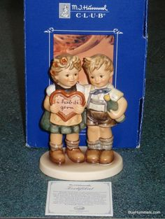 """Gifts Of Love"" Goebel Hummel Valentine Figurine #909 TMK8 - Mint With Box!"