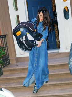 Amal Clooney spotted leaving her apartment – Amal Clooney Style Amal Clooney, George Clooney, Amal Alamuddin Style, Work Fashion, Fashion Design, Fashion Ideas, Ladies Who Lunch, Famous Stars, New Wardrobe