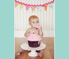 ESP - Algunas ideas para el cumple de Daniela! Las fuentes en mi Pinterest .   ENG - Some cute ideas for Daniela's 1st Birthday! Sources in...