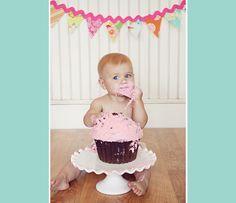 ESP - Algunas ideas para el cumple de Daniela! Las fuentes en mi Pinterest .   ENG - Some cute ideas for Daniela's 1st Birthday! Sources in...