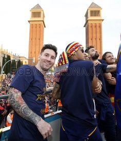 La otra cara de la rúa de los campeones de Liga   FC Barcelona