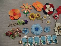 VINTAGE RETRO MODERNIST 60'S70'S JEWELRY LOT ENAMEL FLOWER BROOCH ER KAY DENNING (07/14/2014)