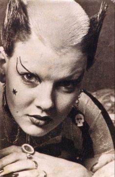 Soo Catwoman in 1976, photo by Ray Stevenson. ... - INFERNAL HERA ϟ HELLRAY ϟ