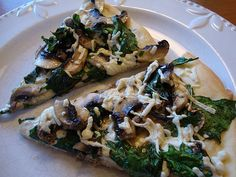 mushroom and spinach pizza (dairy free)