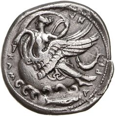 Didracma (doppia dracma) - argento - Kamarina, Sicilia (415-405 a.C.) - KAM-A-PI-NA la ninfa Kamarina cavalca un cigno che nuota vs.sn. in basso un pesce - Münzkabinett Berlin Antique Coins, Old Coins, Rare Coins, Ancient Greek Art, Ancient History, Berlin Museum, Renaissance, Foreign Coins, Coin Art
