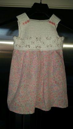 Nytt heklet bærestykke på gammel kjole