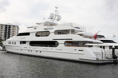 tiger woods solitude yacht | Tiger Woods Yacht Privacy for Sale — eXtravaganzi