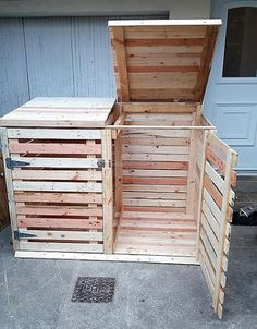 upcycled pallet trash can cover