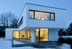 einfamilienhaus am wörthsee : Modern Häuser von gramming rosenmüller architekten