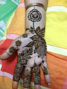 Easy Arabic mehndi design Simple Arabic Mehndi Designs, Hand Henna, Hand Tattoos, Easy