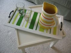Easy DIY project -- Salvaged cupboard/cabinet door transformed into a serving tray Diy Kitchen Projects, Diy Kitchen Decor, Easy Diy Projects, Diy Home Decor, Ways To Recycle, Reuse, Salvaged Wood, Diy Door, Christmas Love