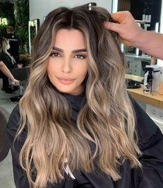 Brunette Hair With Highlights, Balayage Hair Blonde, Brown Blonde Hair, Hair Color Highlights, Light Brown Hair, Light Hair, Hair Color And Cut, Unique Hair Color, Fresh Hair
