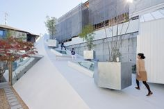 This sculptural swoosh of a house was architect Sou Fujimoto's solution to a tight urban site hemmed in by apartment buildings. | www.facebo...