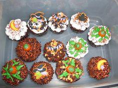 more Halloween cupcakes