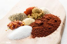 diy taco seasoning Prep time: 5 minutes Cook time: none Yield: 1 servings Serving size: Approximately 3 Tbsp Healthy Crockpot Recipes, Ww Recipes, Light Recipes, Healthy Cooking, Easy Dinner Recipes, Mexican Food Recipes, Eating Healthy, Healthy Living, Healthy Meals