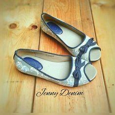 Sepatu Flat Batik Jenny Denim Rp 165.000  WhatsApp 0856 2807 222
