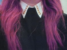 the collar.. and the hair color wow