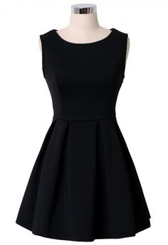 Black Sleeveless Pleated Skater Dress