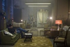 Director David Fincher on the set of The Curious Case of Benjamin Button Stage Design, Set Design, Movie Photo, Picture Photo, Casa Top, David Fincher, Cinematic Photography, Design Inspiration, Interior Design
