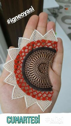 Earrings Handmade, Handmade Jewelry, Lace Jewelry, Needle Lace, Wired Ribbon, How To Make Earrings, Crochet Clothes, Crochet Stitches, Needlework