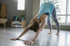 Yoga has increasingly become a mainstream workout. Learn about hatha, vinyasa, and other yoga practices that'll get you relaxed and recentered, whether you're a beginner or a pro. Yoga Fitness, Health Fitness, Yoga Positionen, Yoga Meditation, Ashtanga Yoga, Kayla Itsines, Yoga Balance Poses, Training Apps, Yoga Posen