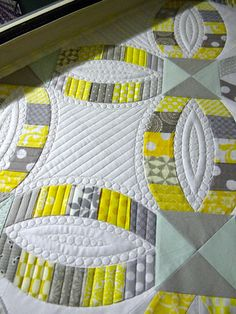 Sew Kind Of Wonderful: Quilting on the DWR : Fi rst off, I just want to say th anks to all the sweet comments on our new quilts and the nice...