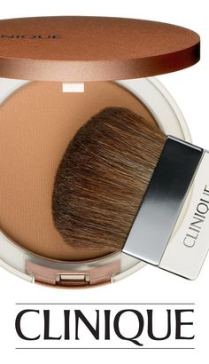 Create a natural-looking, sun-kissed radiance with Clinique True Bronze Pressed Powder Bronzer.