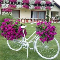 Magnificent Ways to Use Old Wagon Wheels In Your Garden 16