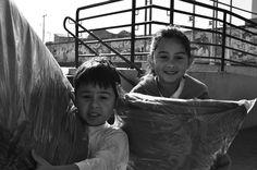 Hoje o CRAS Rio Bonito (da regional Pinheirinho) recebeu 2,5 mil cobertores novos da campanha Doe Calor.  A presidente e o vice-presidente do IPCC, Francisca Cury e Celso Garcia participaram da entrega.  A ação contou ainda com o apoio de soldados do exército e um verdadeiro mutirão de funcionários da FAS.  Em menos de 20 minutos os cobertores foram distribuídos para cerca de 625 pessoas que são atendidas pelo CRAS Rio Bonito.