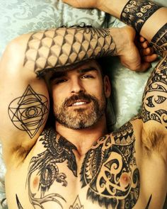 God-like Daddy Stuart Reardon Nips Hot Guys Tattoos, Dope Tattoos, Tatoos, Men Tattoos, Hairy Men, Bearded Men, Scruffy Men, Bearded Tattooed Men, Stuart Reardon