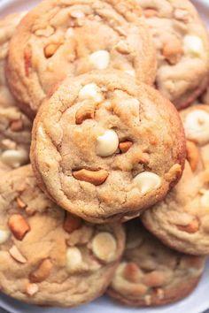 Chewy White Chocolate Cashew Cookies | Creme De La Crumb Cashew Cookies Recipe, Butter Pecan Cookies, Walnut Cookies, Cookie Recipes, Candy Recipes, Yummy Recipes, White Choc Chip Cookies, Macadamia Cookies, Caramel Chocolate Chip Cookies