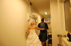 """""""My sexy lady"""" som Nick kaldte Mia, mens de (troede de) lavede snigeren på gangen..."""