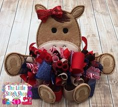 This over sized feltie design is perfect for hair clippies, bows, to add to headbands, etc. You can add over sized felties to wherever your imagination takes you! This ITH project is an easy stitch out and super fun! Bow Hair Clips, Hair Bows, Bow Clip, Stitch Shop, Little Stitch, Easy Stitch, Horse Crafts, Boutique Bows, Polymer Clay Crafts