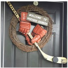 A cute hockey wreath. Perfect for hockey season! Hockey Crafts, Hockey Decor, Hockey Bedroom, Hockey Party, Hockey Birthday, Hockey Quotes, Sport Quotes, Goalie Quotes, Hockey Mom