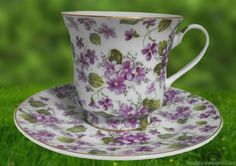 violet-tea-cup.jpg 1,400×988 pixels