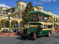 VIDEO: A nostalgic trip down Main Street on the Omnibus at Walt Disney World