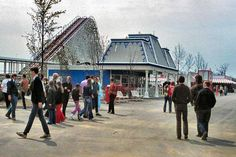 On this day, April in Kings Island in Cincinnatti, Ohio opened its gates to the public after two years of construction. When Kings Island opened, the park touted nearly 60 attractions includ Ohio Amusement Parks, Coney Island Amusement Park, Kings Island Cincinnati, Warren County, Riders On The Storm, Roller Coasters, Summer Memories, Kentucky, Indiana